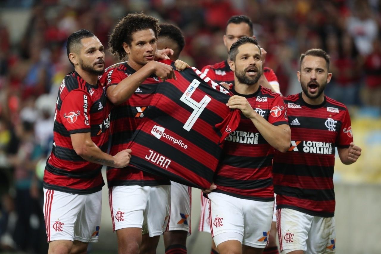 f4abb27189 Flamengo inicia 2019 com perda de patrocínio e Caixa sob risco - 24 12 2018  - UOL Esporte