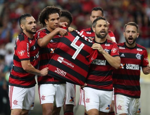 Juan foi homenageado no último jogo do Flamengo e será lembrado contra o Corinthians