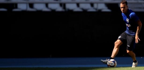 Ferrareis em ação em treino do Botafogo; jogador é aposta do clube para 2019 - Vitor Silva/SSPress/Botafogo