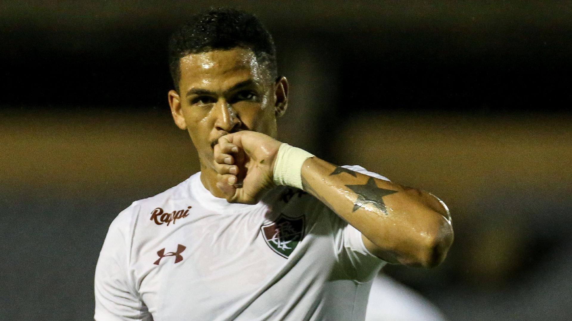 Luciano comemora gol do Fluminense contra o River-PI