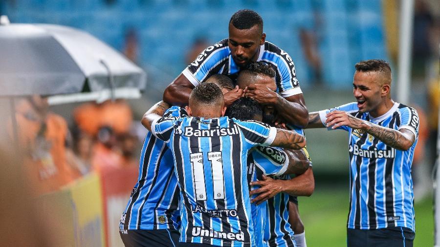 963563ee5665b Grêmio valoriza  grupo campeão  e Renato volta a ter elenco recheado