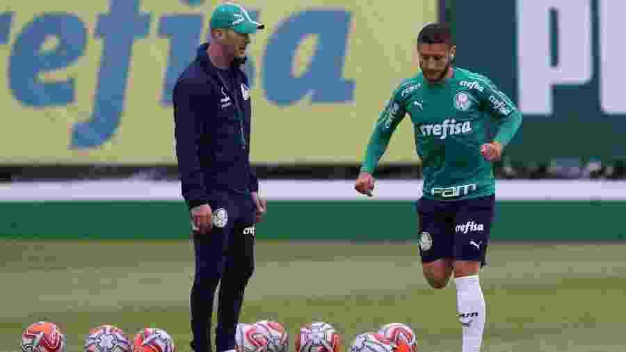 Zé Rafael tem sido observado pela comissão, mas ainda não convenceu Felipão - Cesar Greco/Ag. Palmeiras/Divulgação