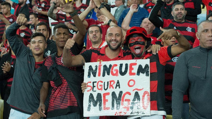 Torcida do Flamengo faz a festa durante o jogo contra o Internacional - Alexandre Vidal e Marcelo Cortes/Flamengo