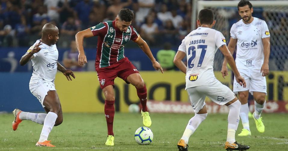 Ganso, durante partida entre Fluminense e Cruzeiro