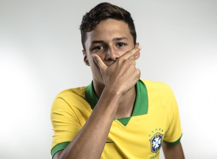 Matheus Araújo, meia do Corinthians que participou da campanha do Mundial Sub-17 pela seleção brasileira