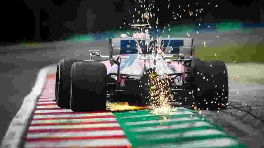 Carro da Racing Point no circuito de Hungaroring - Divulgação/Racing Point