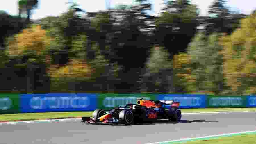 Max Verstappen, da Red Bull, chegou a liderar treino, mas foi superado por Hamilton - Miguel Medina - Pool/Getty Images