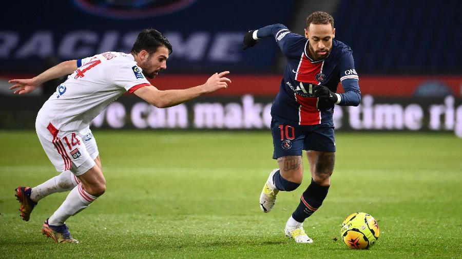 Neymar, durante partida entre PSG e Lyon - FRANCK FIFE / AFP