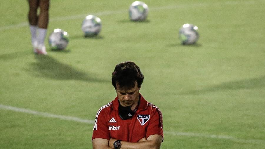 Fernando Diniz, técnico do São Paulo, durante aquecimento antes de partida contra o Sport - Paulo Paiva/AGIF
