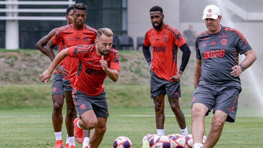 Jogadores do Flamengo fazem trabalho de recondicionamento físico no Ninho do Urubu - Alexandre Vidal/Flamengo