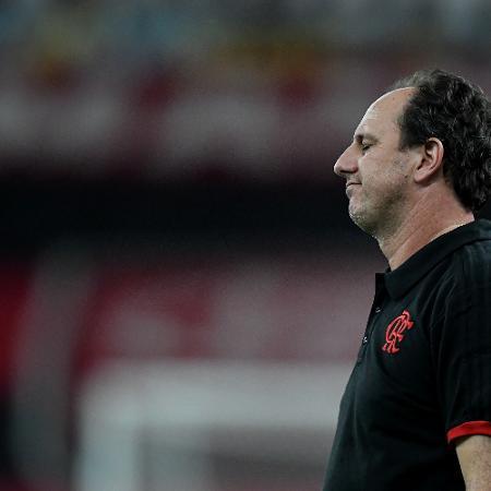 Rogério Ceni lamenta derrota do Flamengo para o Vasco no Maracanã - Thiago Ribeiro/AGIF