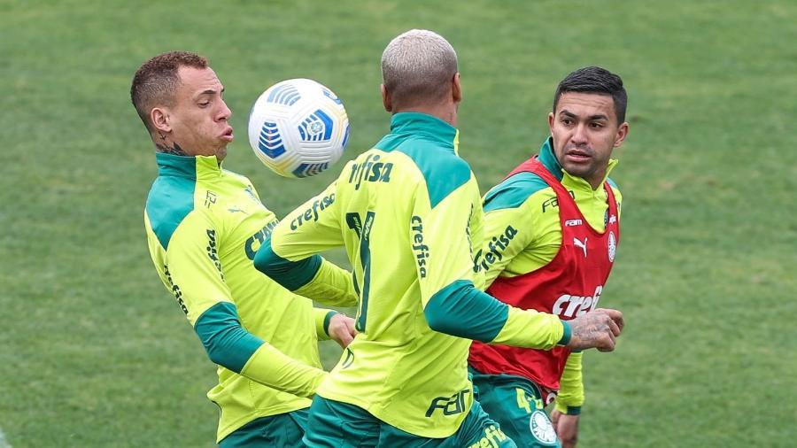 Breno, Dudu e Deyverson durante treino do Palmeiras - Cesar Greco/ Palmeiras