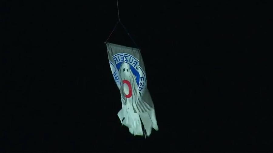 Drone sobrevoou o estádio Baenão com o fantasma da Série C no escudo do Cruzeiro - Reprodução