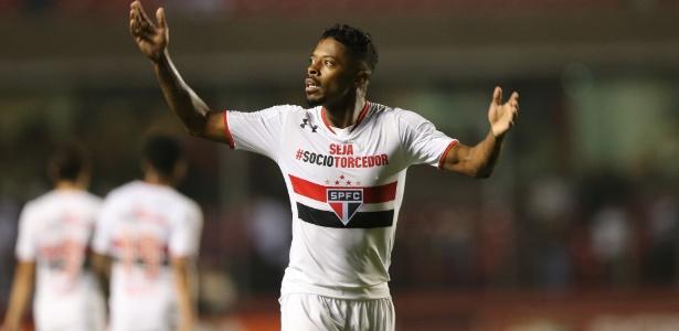 Contestado no Morumbi, Michel Bastos virou opção de reforço para o Inter
