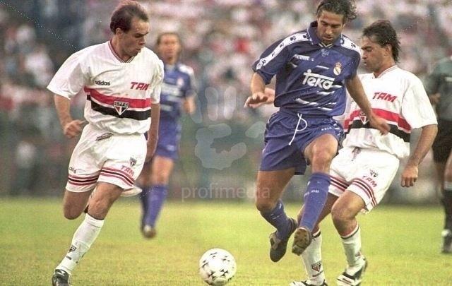 Sorlei em campo pelo São Paulo,  em 1996
