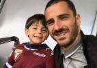 Zagueiro da Juventus leva filho de 4 anos para torcer pelo rival no estádio - Twitter/Reprodução