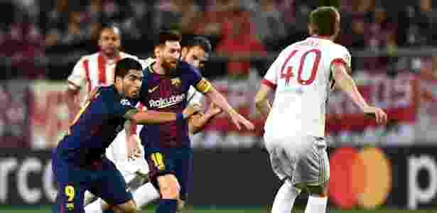 Messi e Suárez perderam chances claras de gol contra o Olympiacos - Aris Messinis/AFP