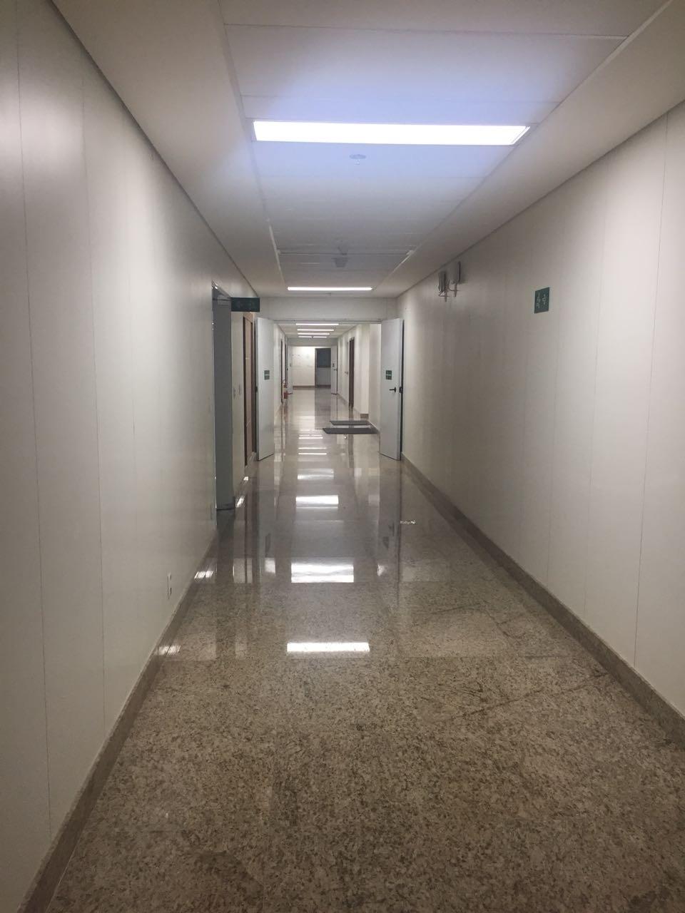 Corredor hospital Neymar 16º andar