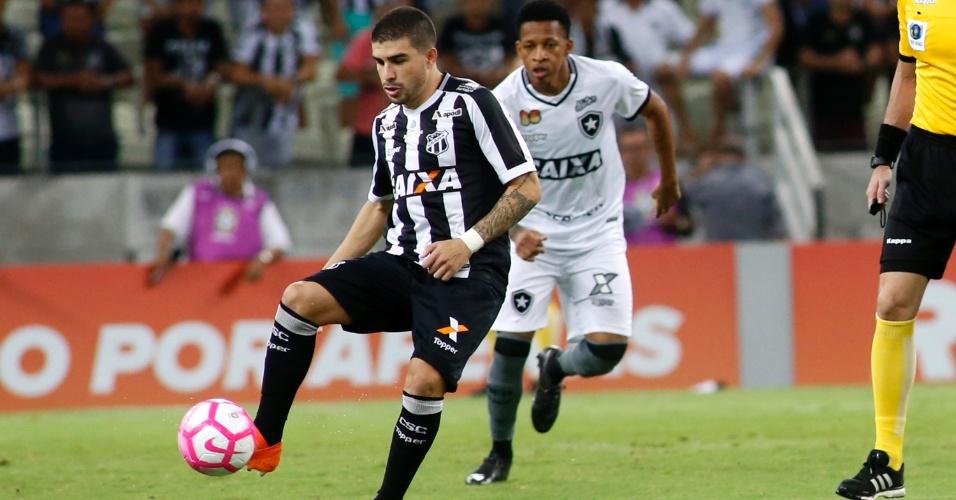 Ceará e Botafogo se enfrentaram nesta segunda-feira no Castelão