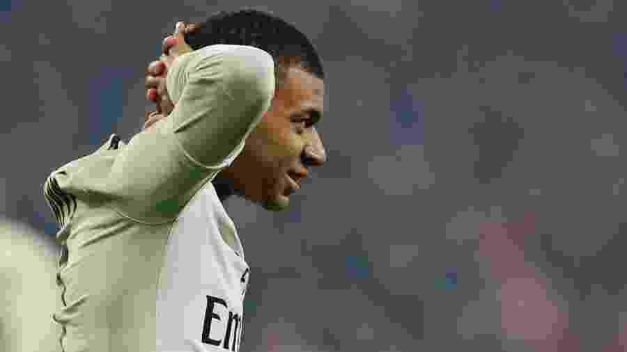 Mbappé lamenta gol anulado contra o Lille - PASCAL ROSSIGNOL/REUTERS