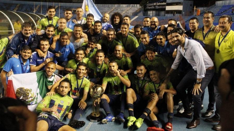 Santa Tecla FC é campeão da Copa El Salvador com Loco Abreu como técnico - Divulgação/Santa Tecla FC