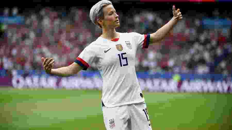 Megan Rapinoe comemorando gol pela Copa do Mundo feminina - FRANCK FIFE / AFP