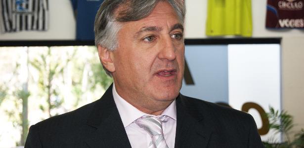 Jogadores pedem na Justiça o afastamento de presidente do sindicato de SP