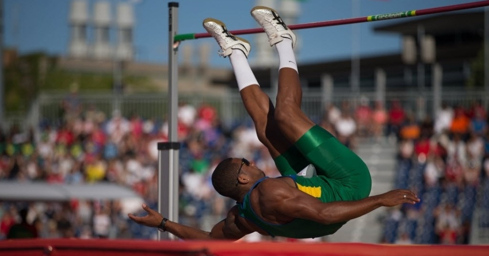 Felipe dos Santos em ação no atletismo dos Jogos de Toronto