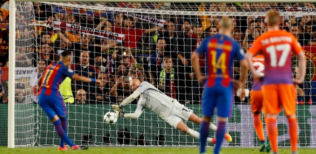 Neymar perdeu pênalti contra o City na Liga dos Campeões; aproveitamento é de 60% - John Sibley/Reuters