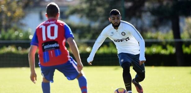 Gabigol disputa jogo-treino da Inter de Milão contra o Chiasso