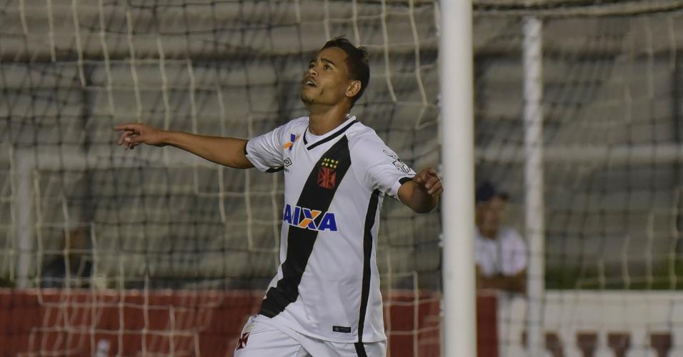 Yago Pikachu marca para o Vasco contra o Madureira