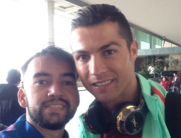 Lucas posa ao lado de Cristiano Ronaldo  - Acervo Pessoal