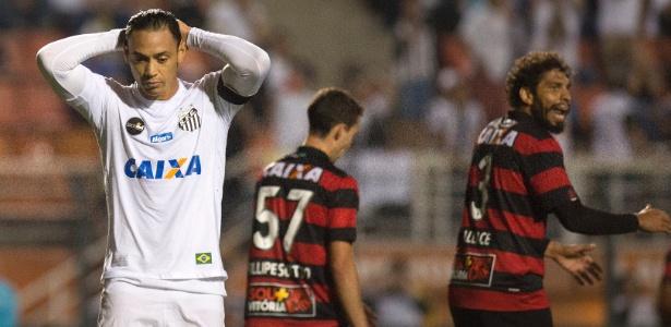 Ricardo Oliveira pediu dois anos de contrato, mas Peres só aceita renovar por um ano