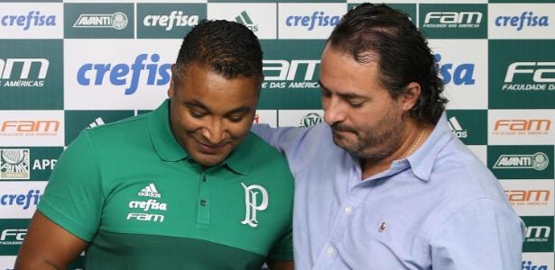 O técnico Roger Machado e o diretor de futebol do Palmeiras, Alexandre Mattos