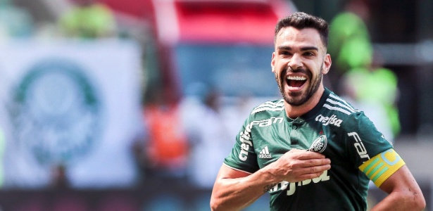 Bruno Henrique comemora gol contra o Paraná em julho; desde então, não marcou mais - Ale Cabral/AGIF