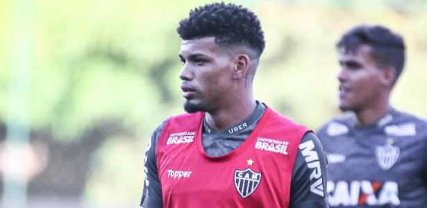 Emprestado pelo Palmeiras, Juninho teve quatro chances, e só uma na zaga - Bruno Cantini/Divulgação/Atlético-MG