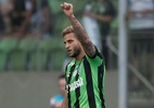Repercussão negativa esfriou negociação do Botafogo com Rafael Moura - Pedro Vale/AGIF