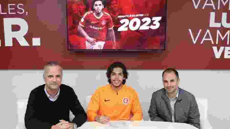 Nonato assina com Internacional até 2023, após ter direitos comprados - Divulgação/Inter