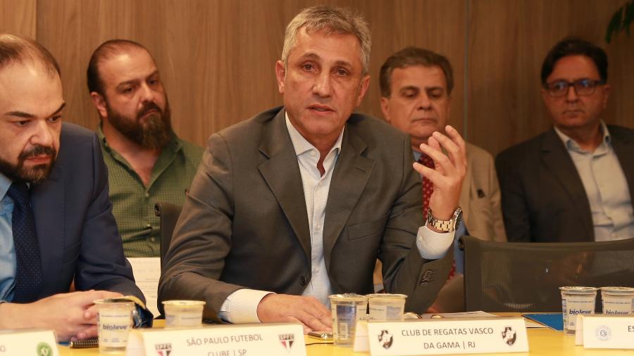 Campello deixou reunião na Ferj incomodado com atraso devido à conversa particular entre presidente da federação e do Flamengo - Thais Magalhães/CBF