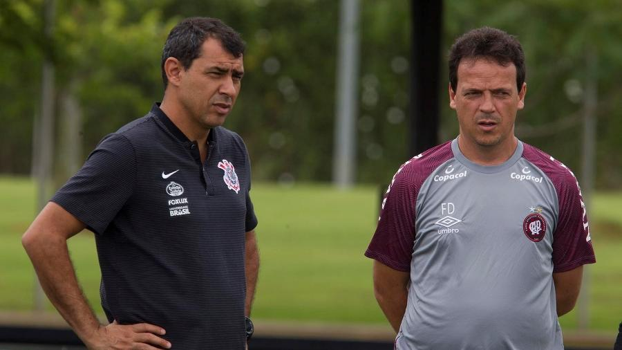 Fábio Carille e Fernando Diniz durante jogo-treino entre Corinthians e Atlético-PR em fevereiro de 2018 - Agência Corinthians