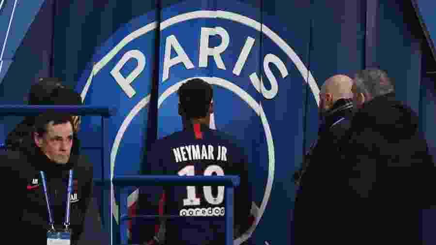 Neymar é substituído em partida do PSG contra o Lille e sai de campo direto para o vestiário - FRANCK FIFE / AFP