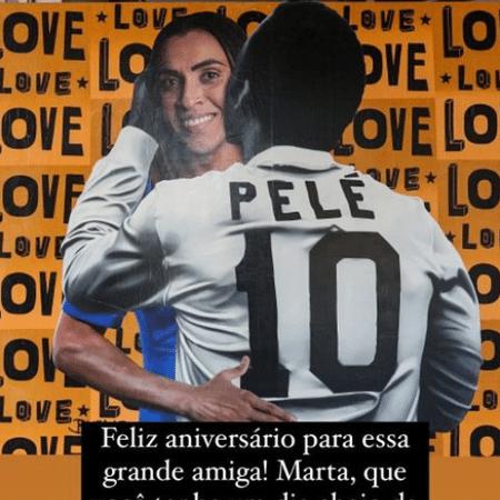 """""""Que você tenha um dia cheio de amor"""", escreveu Pelé - Reprodução"""