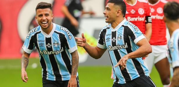 Campeonato Gaúcho   Grêmio vira no fim, vence o Inter por 2 a 1 e abre vantagem na decisão