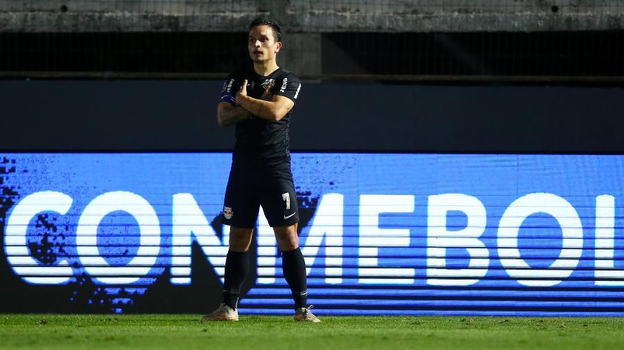 Artur comemora gol do Red Bull Bragantino contra o Rosario Central, pela Copa Sul-Americana - Getty Images