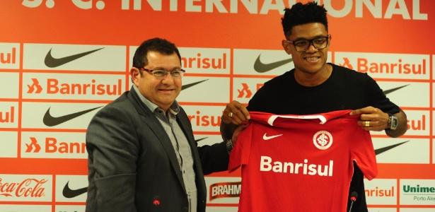 Anselmo chegou ao Inter após ir bem no Joinville, mas primeiros jogos foram ruins