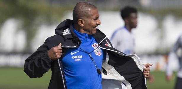 Cristóvão Borges faz terceira partida pelo Corinthians nesta quarta, contra o América-MG