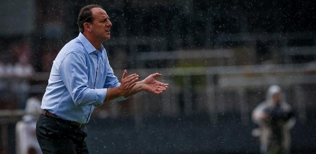 Rogério Ceni adotou um esquema ofensivo para o São Paulo