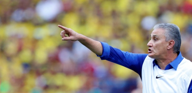 Tite terá mais dois jogos para fazer testes com a seleção brasileira