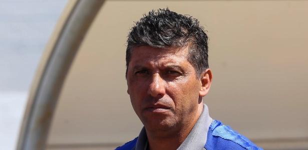 Sem Mano, Sidinei Lobo será o treinador do Cruzeiro neste sábado no Mineirão