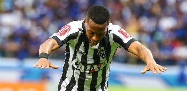 Robinho quer seguir no Atlético-MG em 2018 e está disposto a ganhar menos